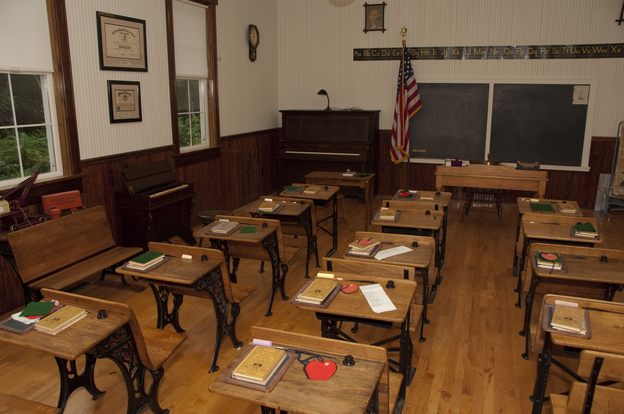 09-One-Room_School-0819-RB-29.jpg