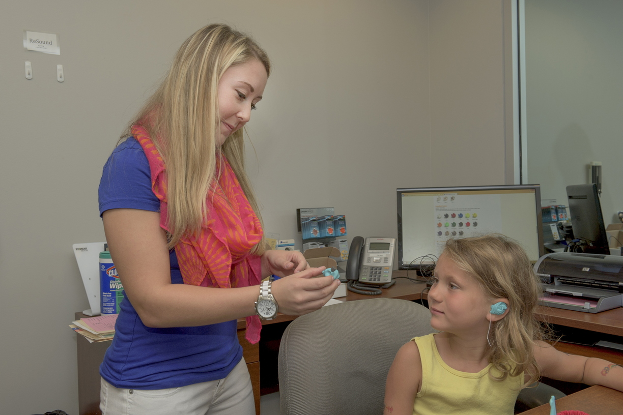 15-SLH_Clinic-Audiology-0806-RB-25.jpg
