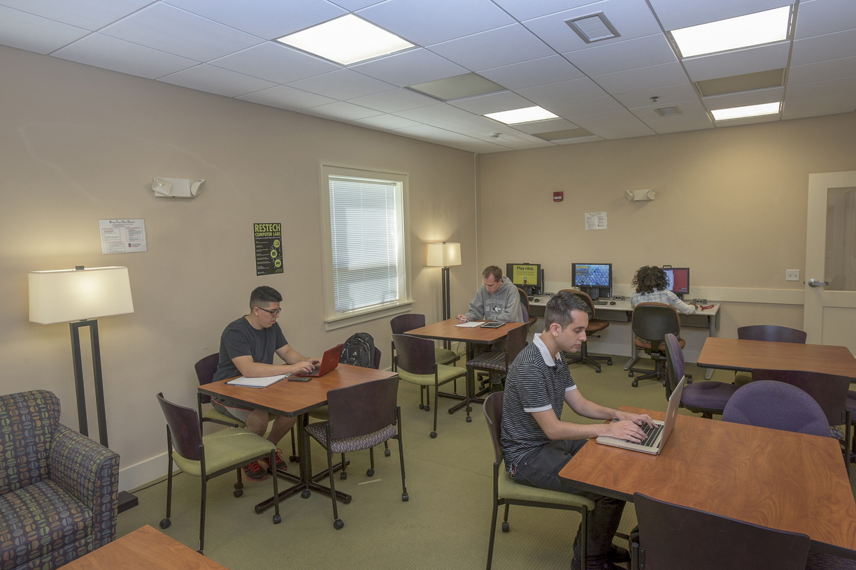 15-NorView-StudyLounge-0916-RB-3.jpg
