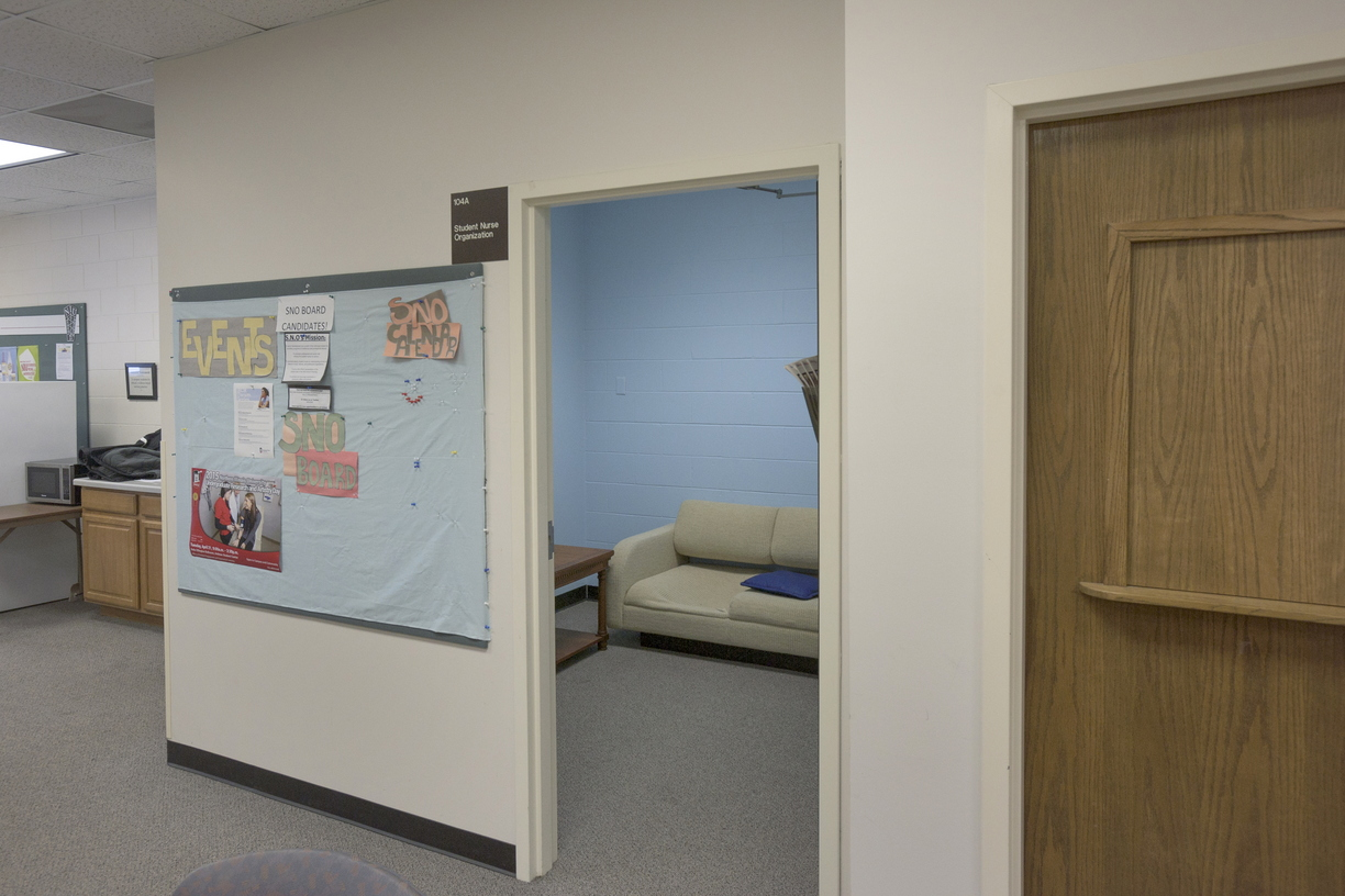 16-Nursing-Lounge-0111-RB-09.jpg