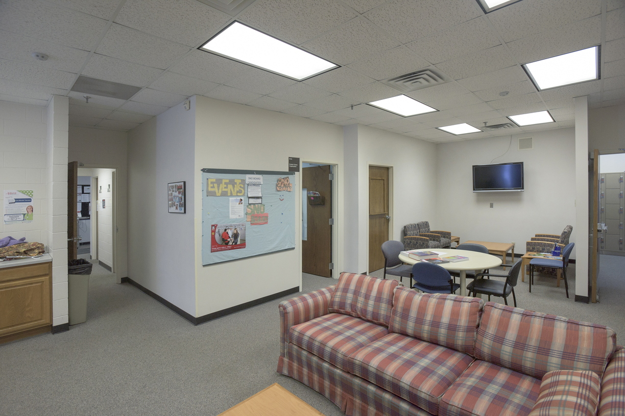 16-Nursing-Lounge-0111-RB-11.jpg