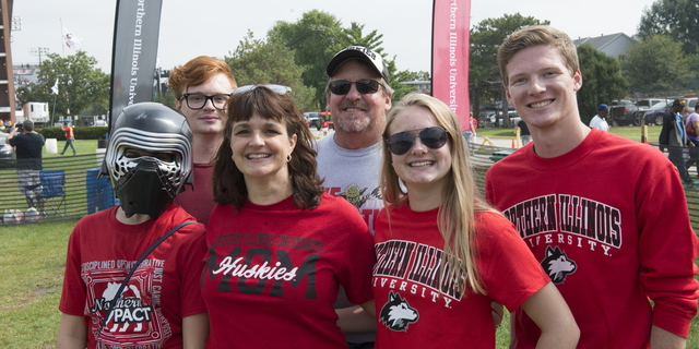16-Family Weekend-Tailgate-0924-WD-027