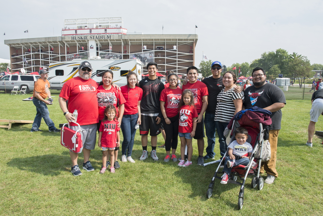 16-Family_Weekend-Tailgate-0924-WD-106.jpg