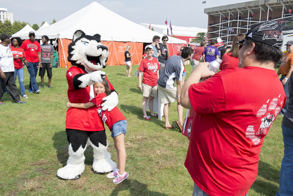 16-Family_Weekend-Tailgate-0924-WD-110.jpg