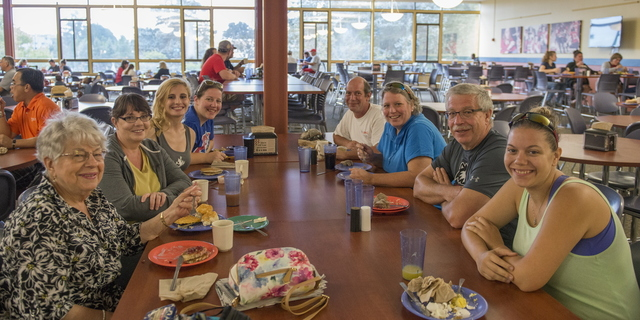 16-Family-Weekend-Breakfast-0925-HM-20