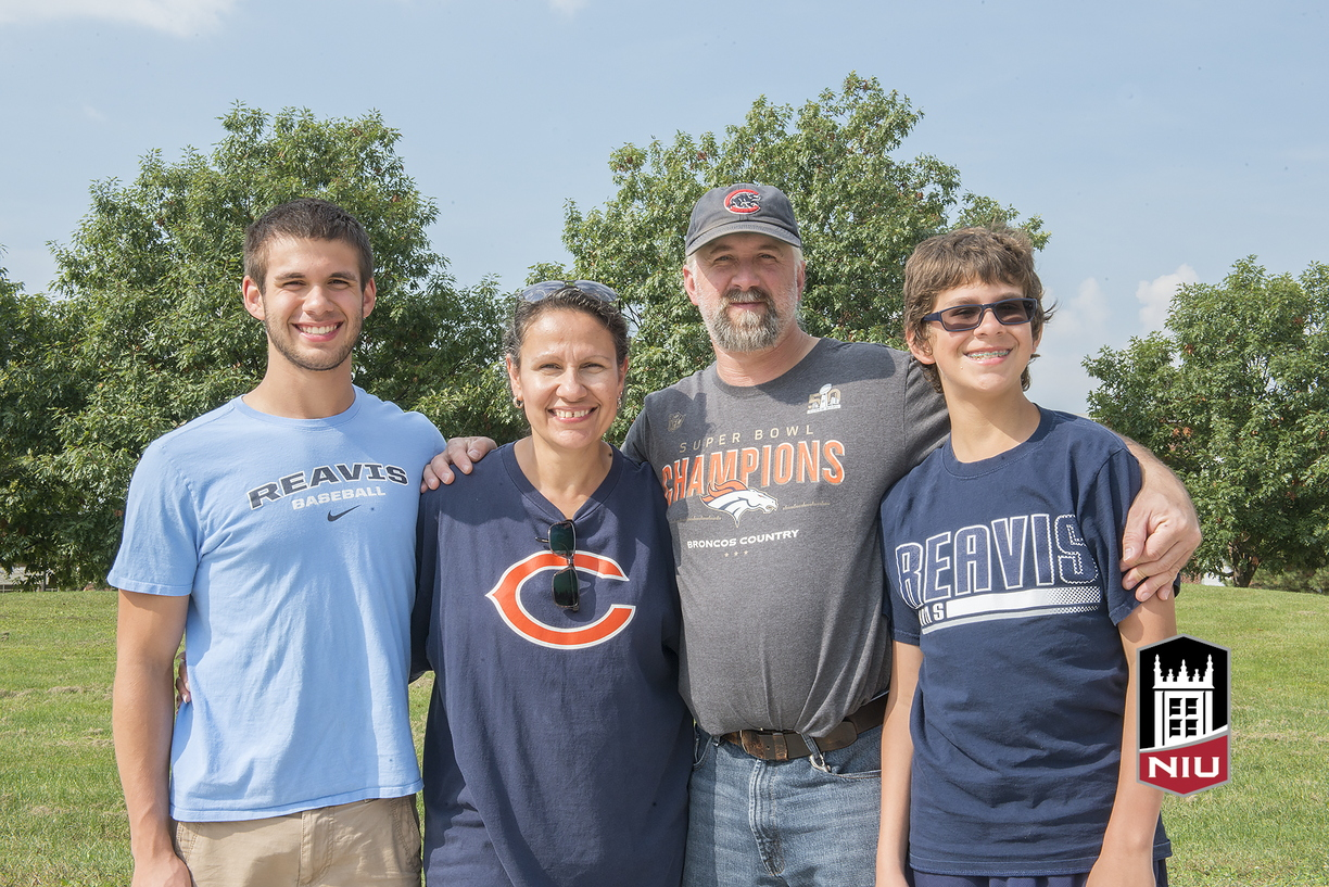 16-Family_Weekend-Family_Portraits-0925-WD-139.jpg