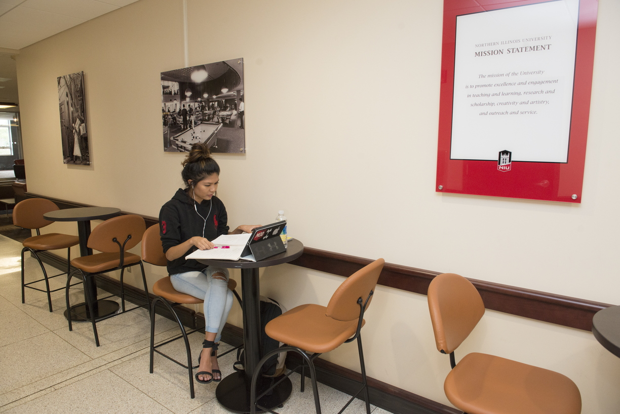 16-HSC_Set_Ups-Students_Studying-0901-WD-01.jpg
