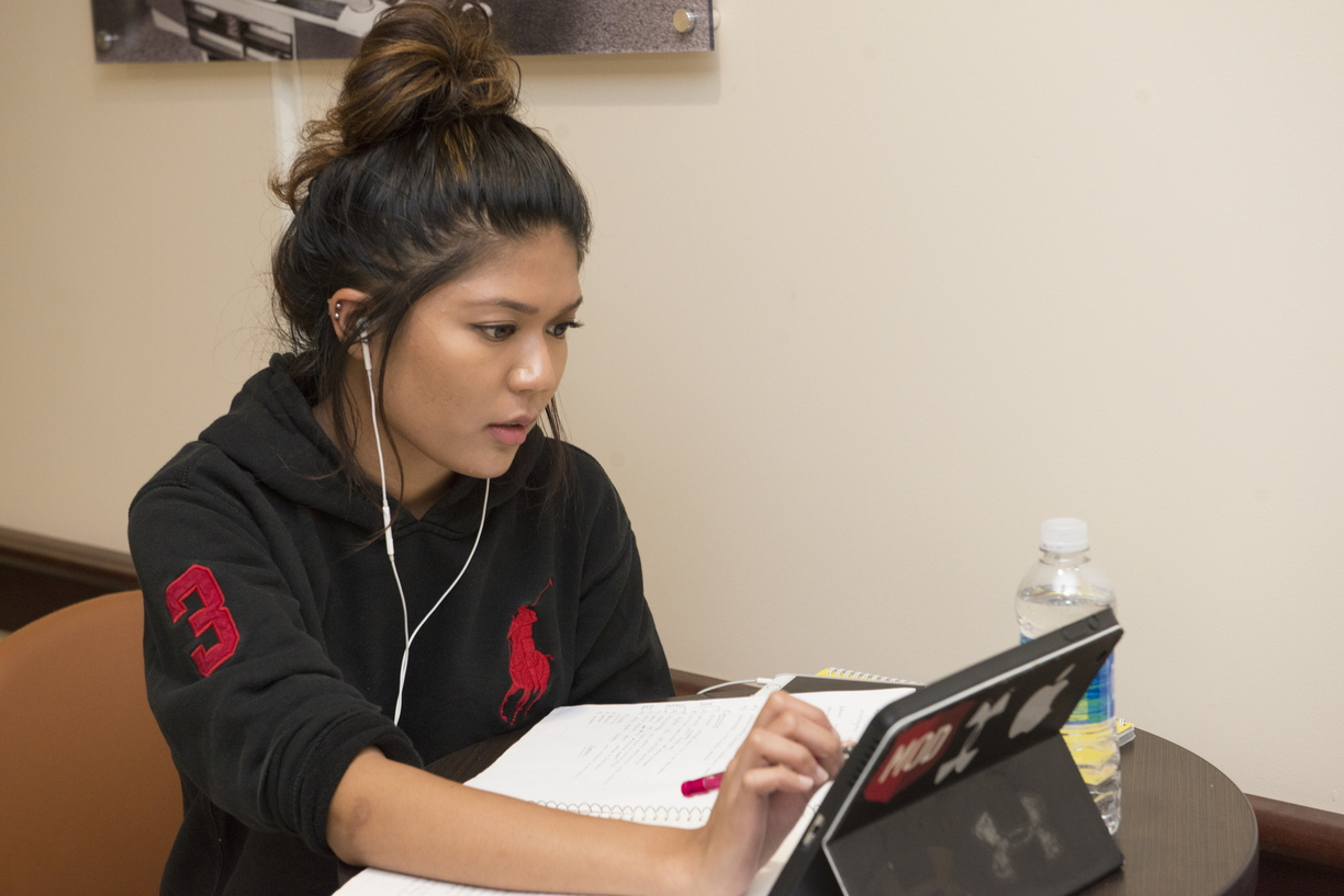 16-HSC_Set_Ups-Students_Studying-0901-WD-06.jpg