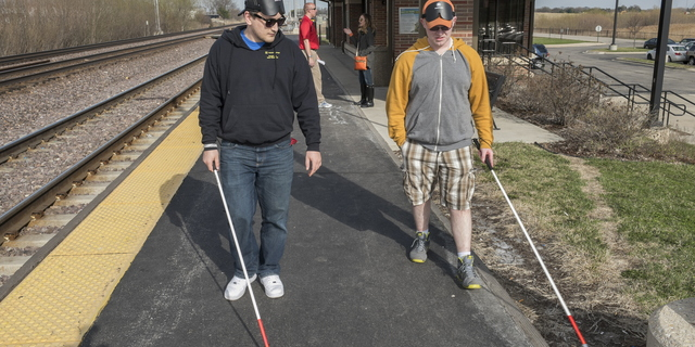 15-CoE-BlindMobility-0414-RB-051