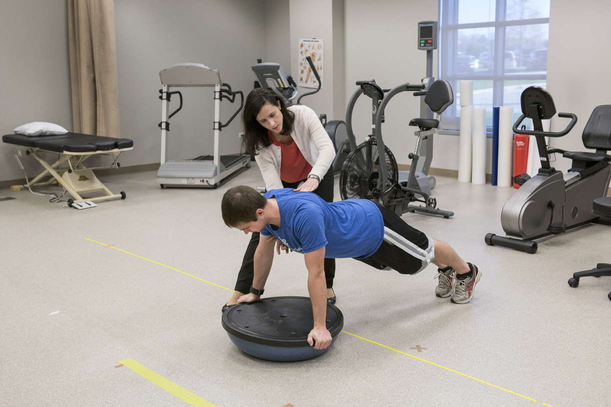 16-CHHS-PhysicalTherapy-1110-RB-44.jpg