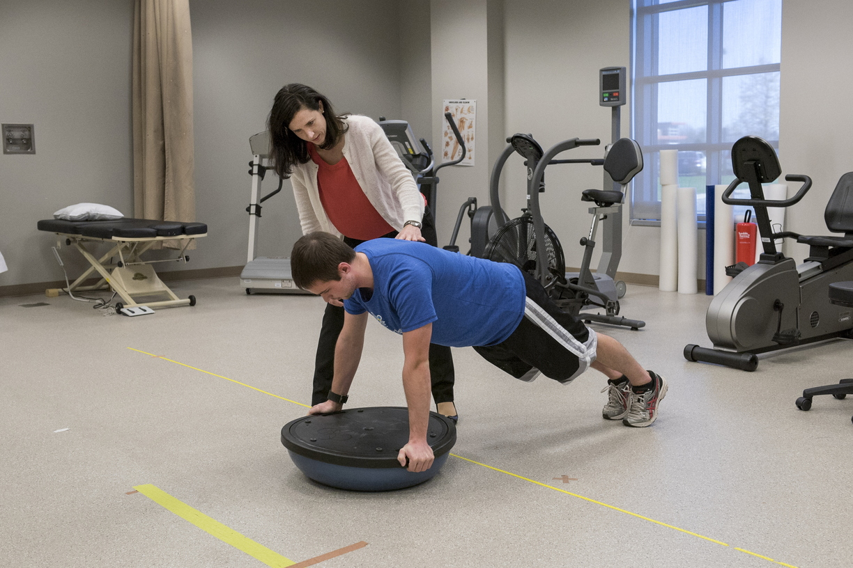 16-CHHS-PhysicalTherapy-1110-RB-46.jpg