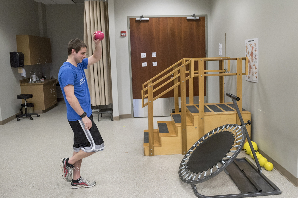 16-CHHS-PhysicalTherapy-1110-RB-60.jpg