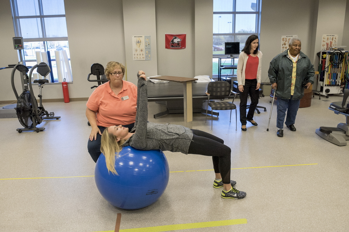 16-CHHS-PhysicalTherapy-1110-RB-06.jpg
