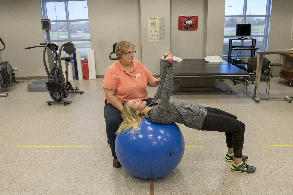 16-CHHS-PhysicalTherapy-1110-RB-08.jpg