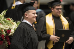 16-Commencement-1211-WD-574