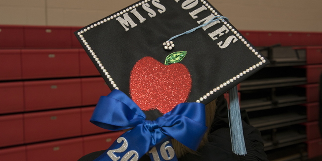 16-Commencement-1211-WD-031