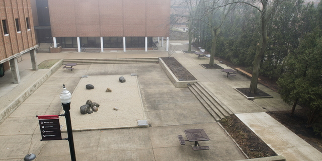 17-Empty Campus-0111-WD-37