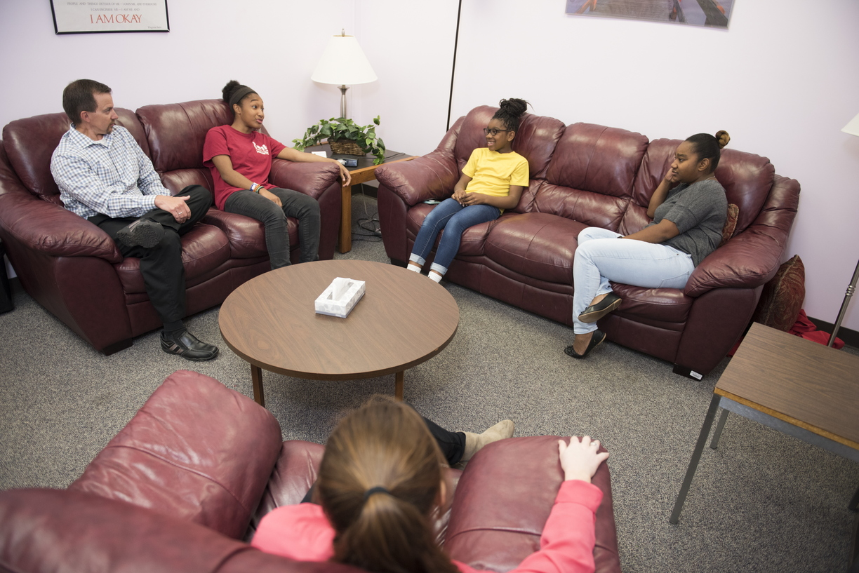 17-Couples_Family_Therapy_Clinic-0524-WD-241.jpg