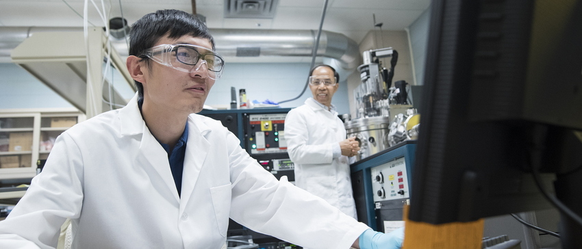 17-Zhili Xiao and student at Argonne National Lab-0718-DG-009