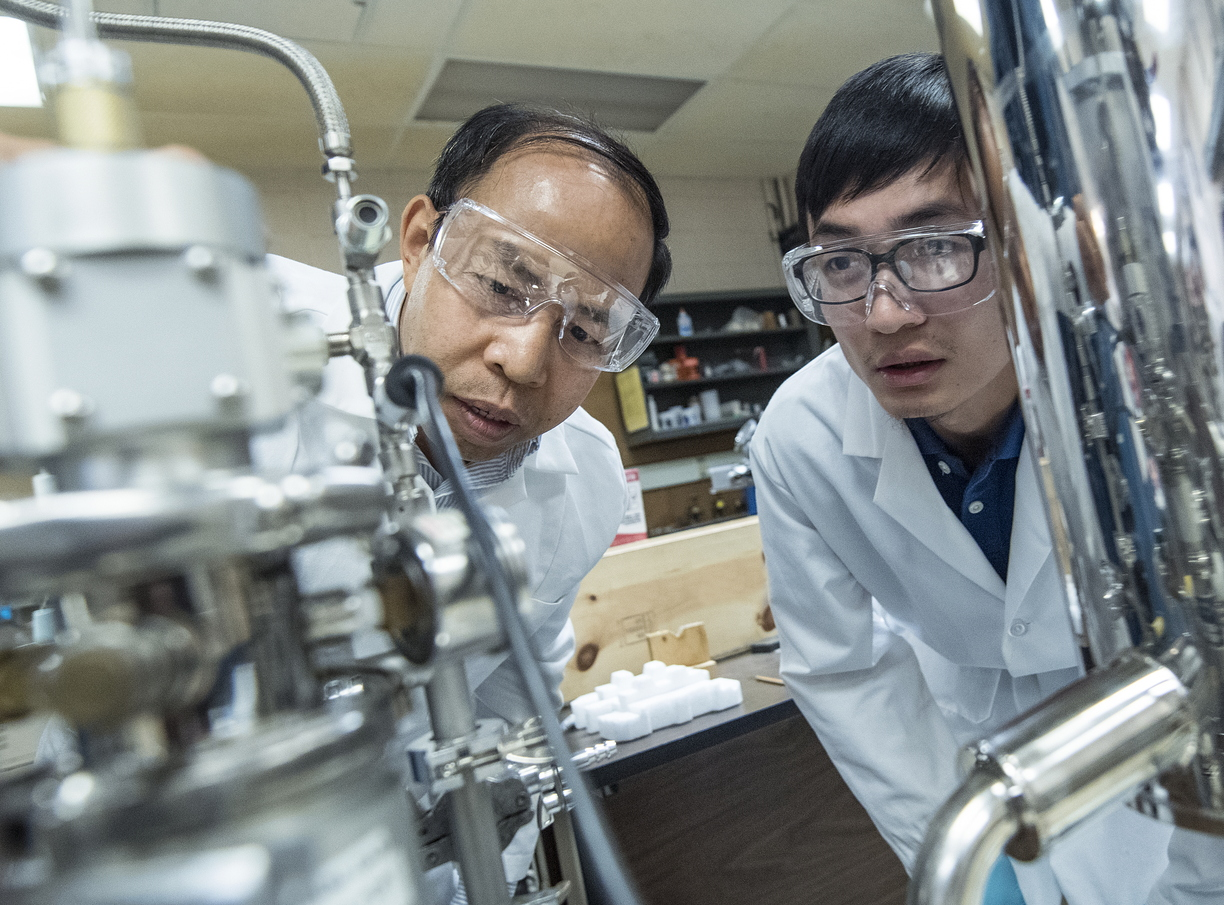 17-Zhili Xiao and student at Argonne National Lab-0718-DG-026.jpg
