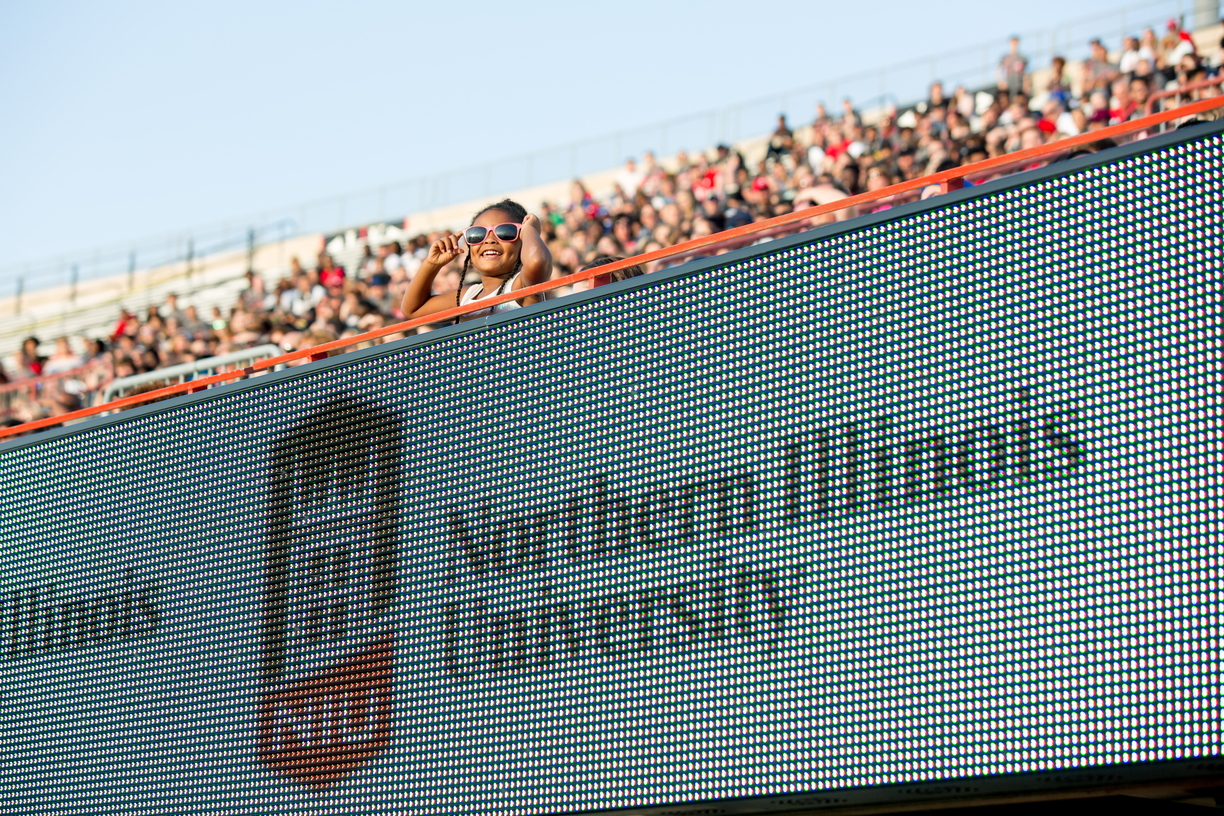 17_Huskie Fall Kick-Off_0825_MKL_030.jpg