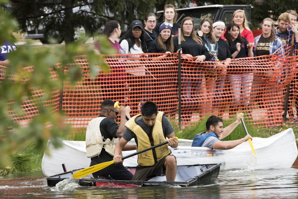 17-Homecoming-Recycled_Boat_Race-1003-WD-428.jpg