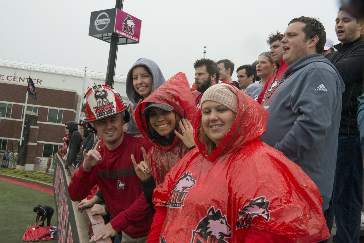 17-Homecoming-Fans-1007-WD-134.jpg