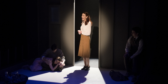 18-The Glass Menagerie-0206-WD-1058