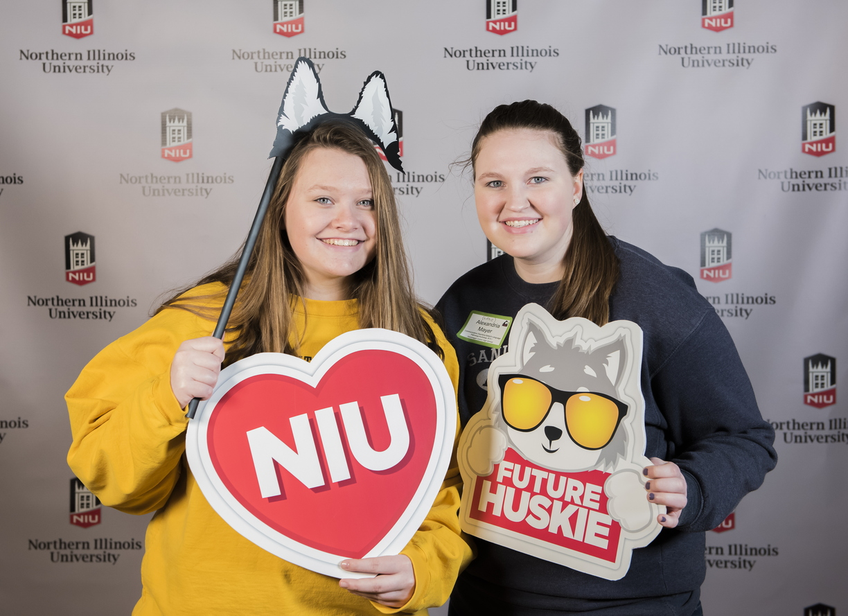 18-Admitted Students Day Photo Booth-0219-DG-009.jpg