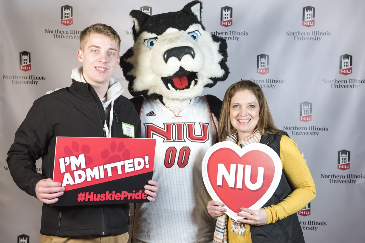 18-Admitted Students Day Photo Booth-0219-DG-018.jpg
