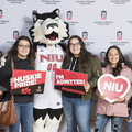 18-Admitted_Students_Day_Photobooth-0305-WD-080.jpg