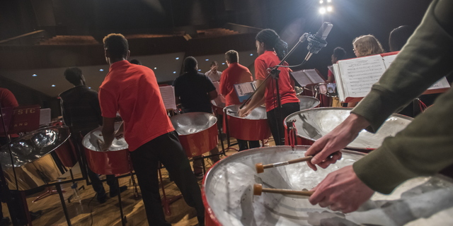 18-Steel Pan Rehearsal and Performance-0422-DG-057