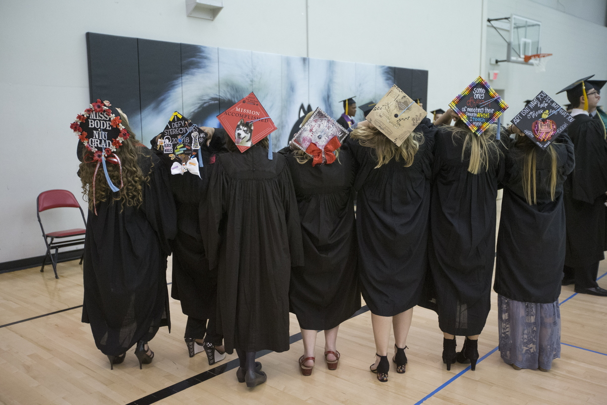 18-Commencement-2-0512-SW-01.jpg