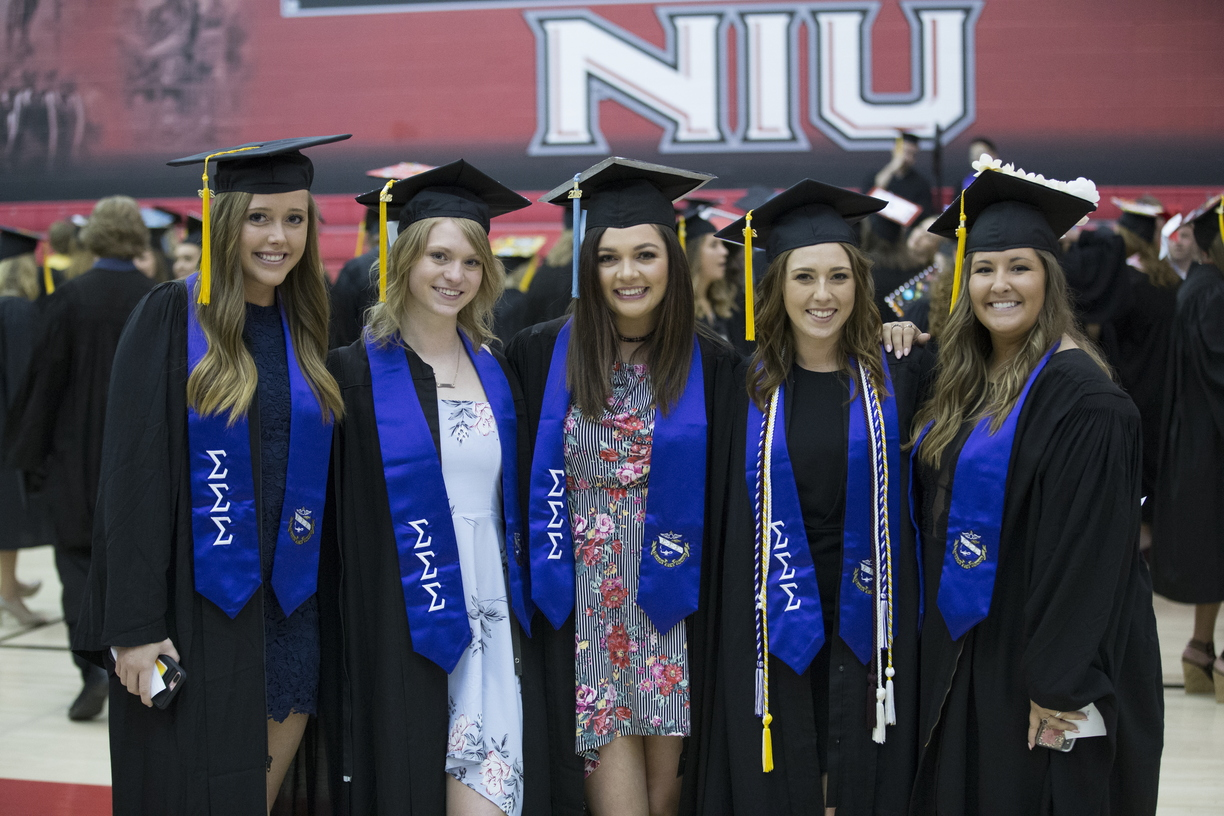 18-Commencement-3-0512-SW-009.jpg