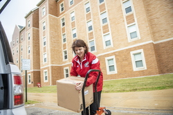 18-Lisa Freeman Moving In New Hall-0824-DG-062