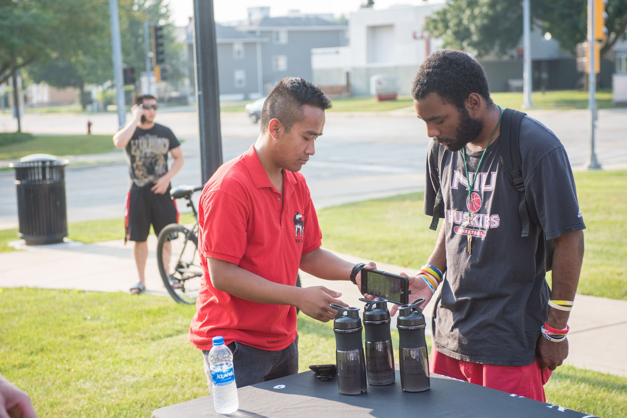 18-Welcome Days- Start NIU Grill Out-0825-LN-11.jpg