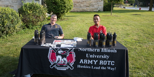 18-Welcome Days- Start NIU Grill Out-0825-LN-42