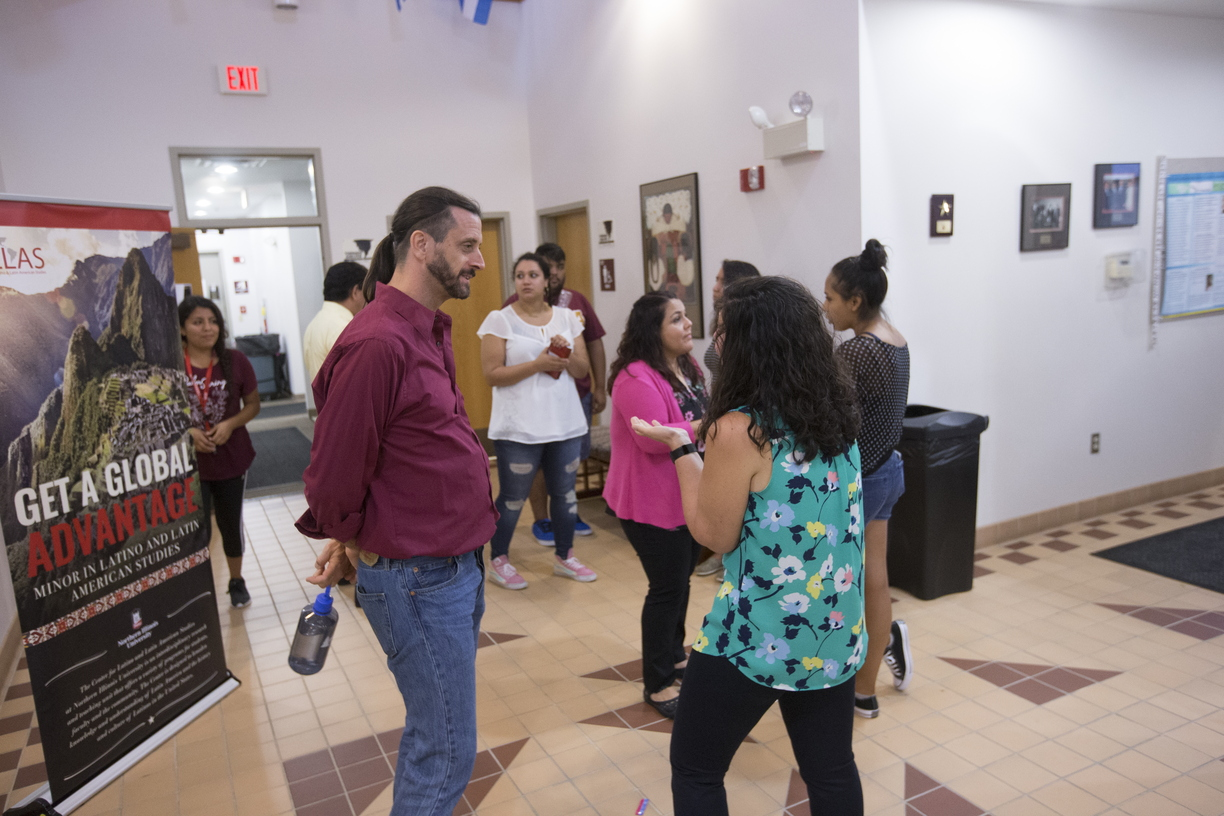 18-Latino-Center-Welcome-Reception-0828-SW-15.jpg