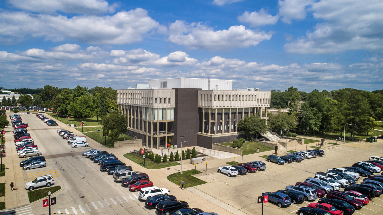 18-Arends Visual Arts Building Drone-0830-DG-01.jpg