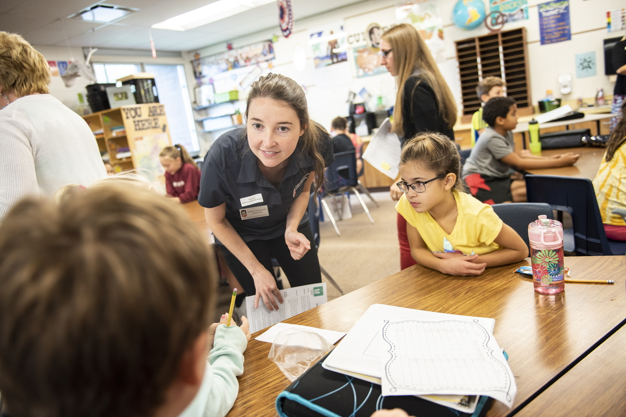 18-Dietetic CHHS Students at North Elementary-0919-DG-041.JPG