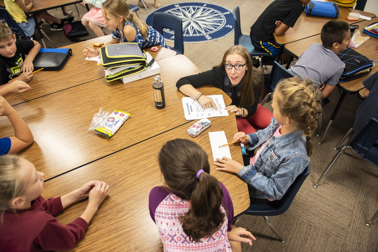 18-Dietetic CHHS Students at North Elementary-0919-DG-046.JPG