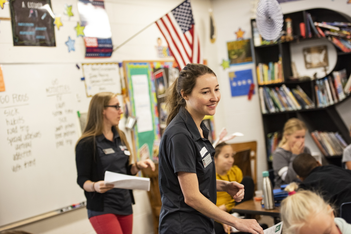 18-Dietetic CHHS Students at North Elementary-0919-DG-073.JPG