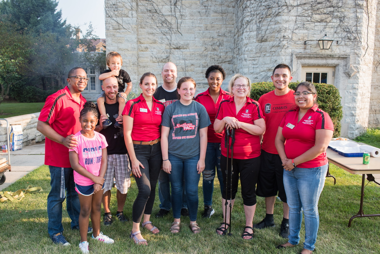 18-Welcome Days- Start NIU Grill Out-0825-LN-66.jpg
