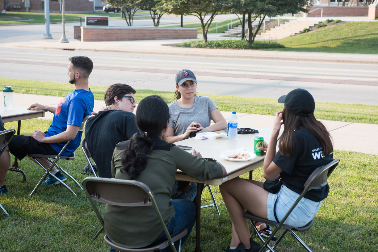 18-Welcome Days- Start NIU Grill Out-0825-LN-54.jpg