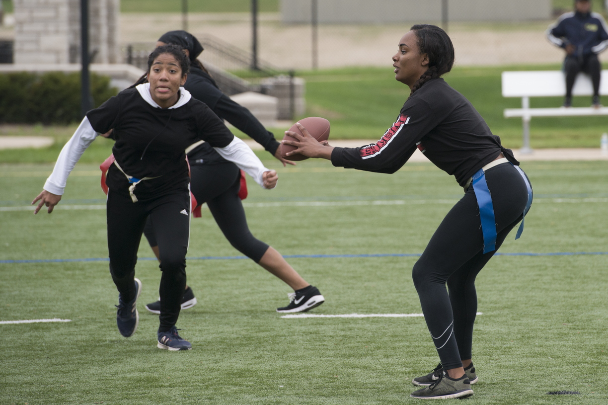 18-Homecoming-PowderPuff_Football-1007-WD-010.jpg