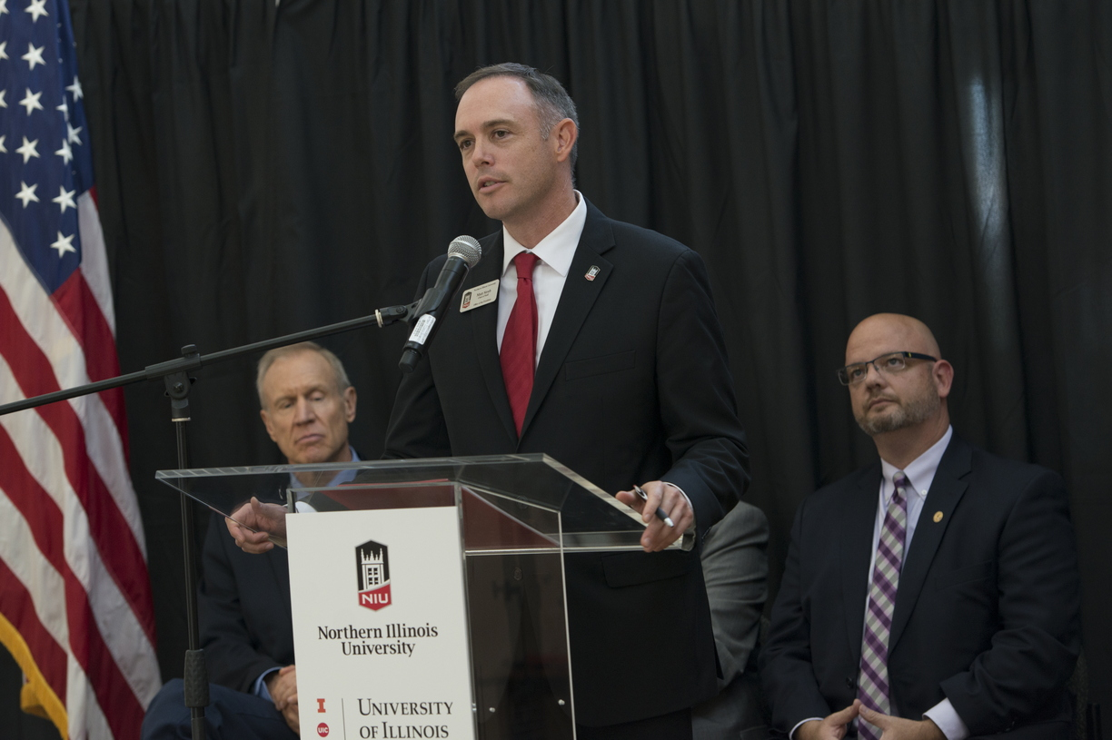 18-NIU-UofI_Announcement-1009-WD-0399.jpg