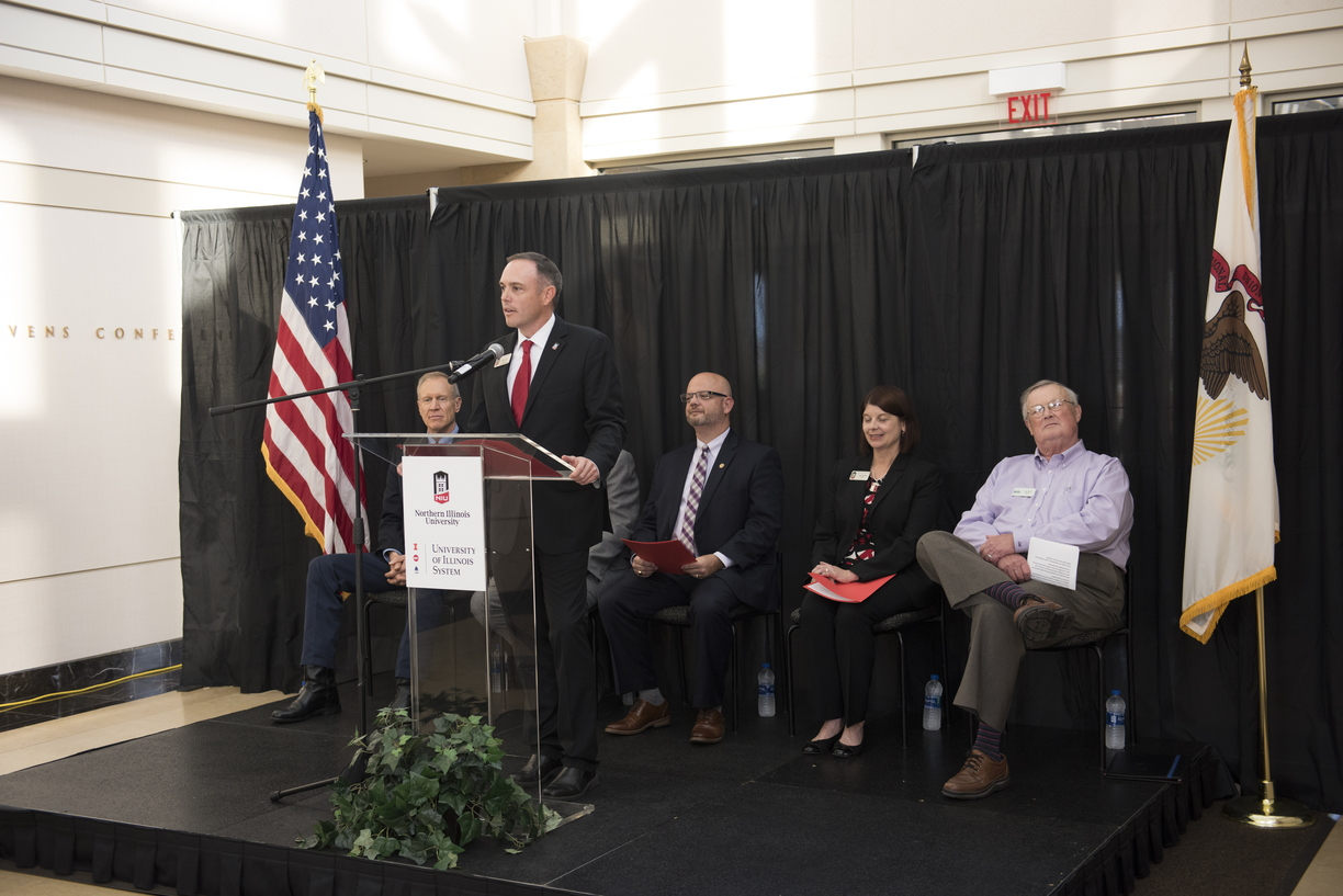 18-NIU-UofI_Announcement-1009-WD-0626.jpg