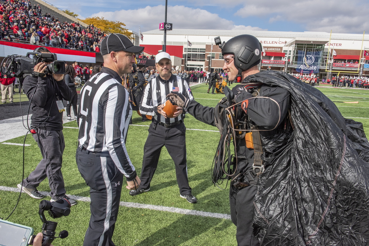 18-Golden Knights Delivering Gameball NIU Homecoming-1013-WD-006.JPG