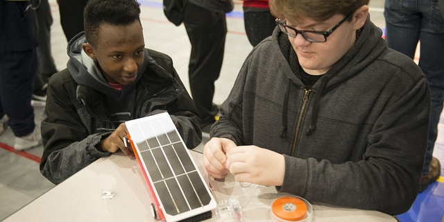 18-CEET-Solar Car Event-1101-WD-057