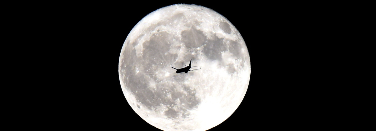 18- Moon and Airplane -1105-MZ16